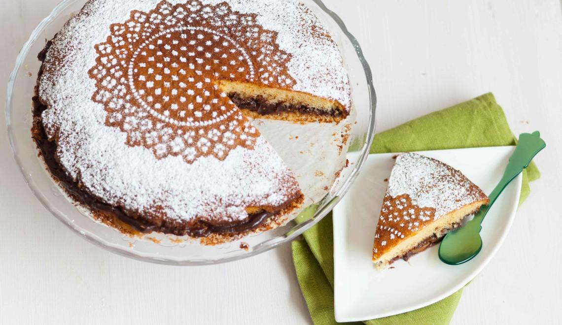 Victoria Naked Cake con crema di cioccolato e marmellata di albicocche