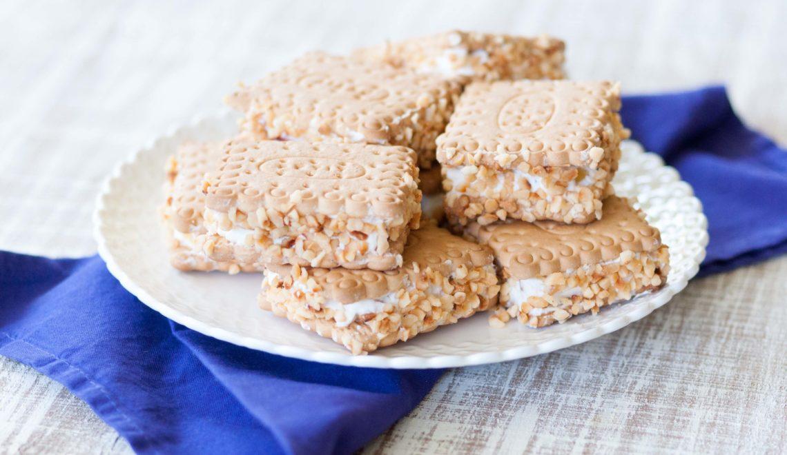 Biscotti gelato alle pesche e nocciole