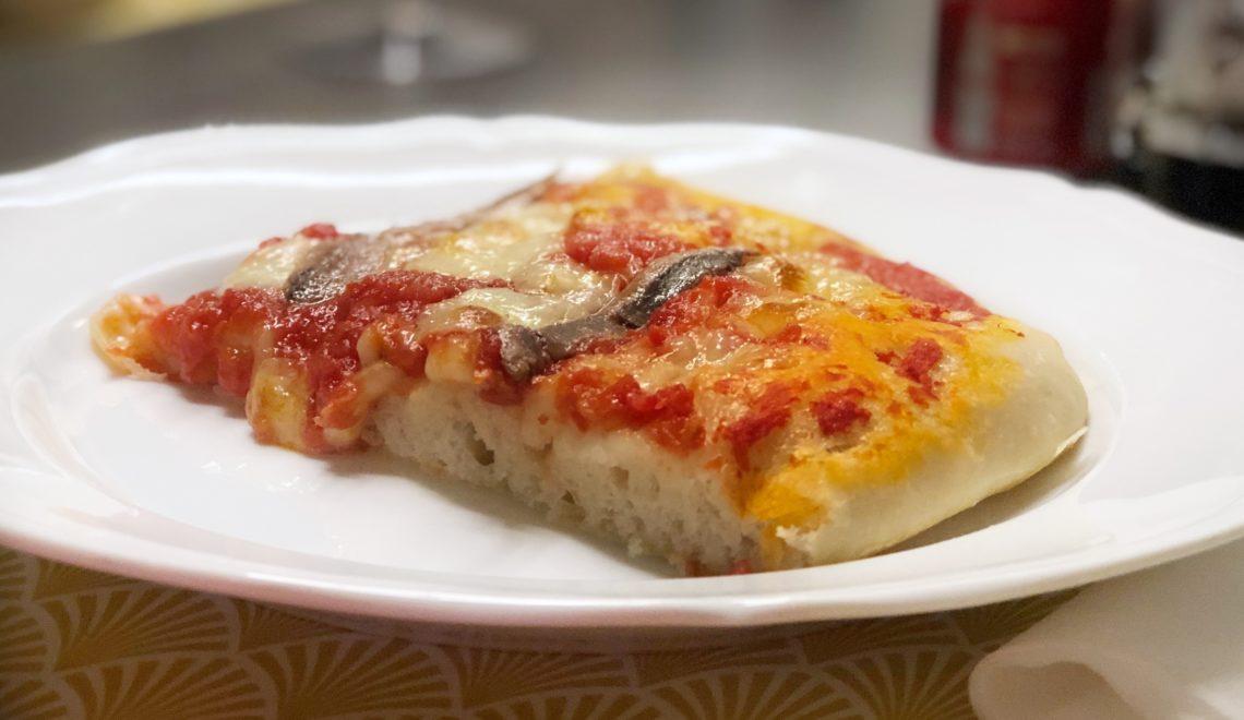 Pizza ad alta idratazione con poco lievito