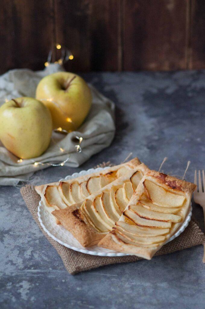 sfoglie alle mele con marmellata di albicocche