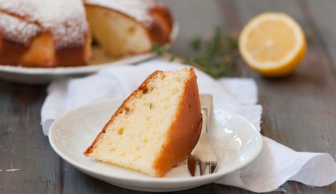 Torta con timo e limone